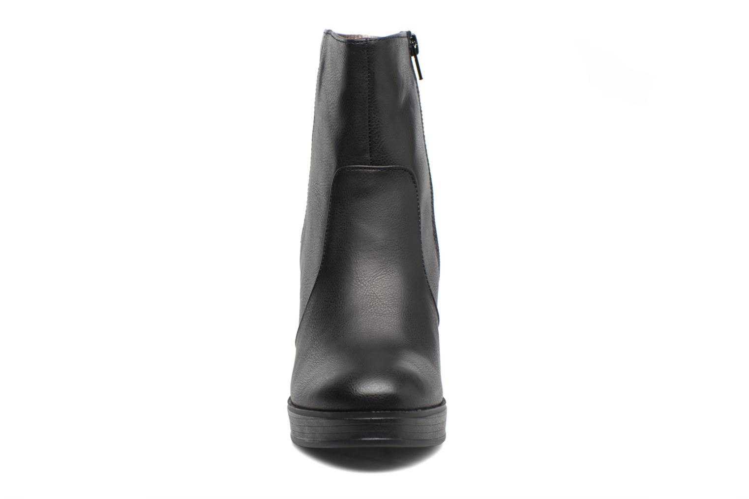 Ankle boots Bullboxer Helen Black model view