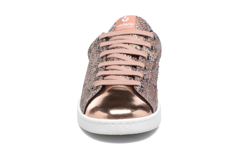 Baskets Victoria Deportivo Glitter Serpiente Rose vue portées chaussures