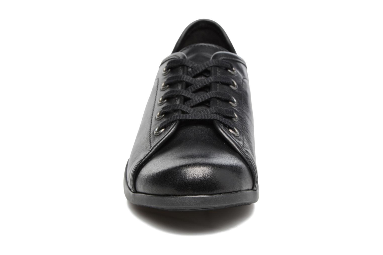 Baskets Mephisto Cosima Noir vue portées chaussures