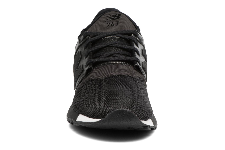 Baskets New Balance WRL247 B Noir vue portées chaussures