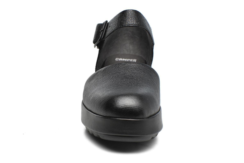 Ballerines Camper Dessa K200474 Noir vue portées chaussures