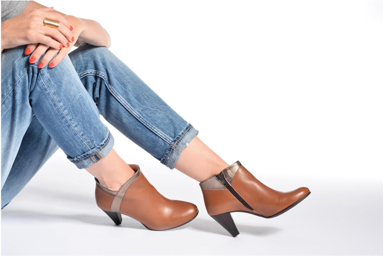 Bottines et boots Georgia Rose Lagodia Marron vue bas / vue portée sac