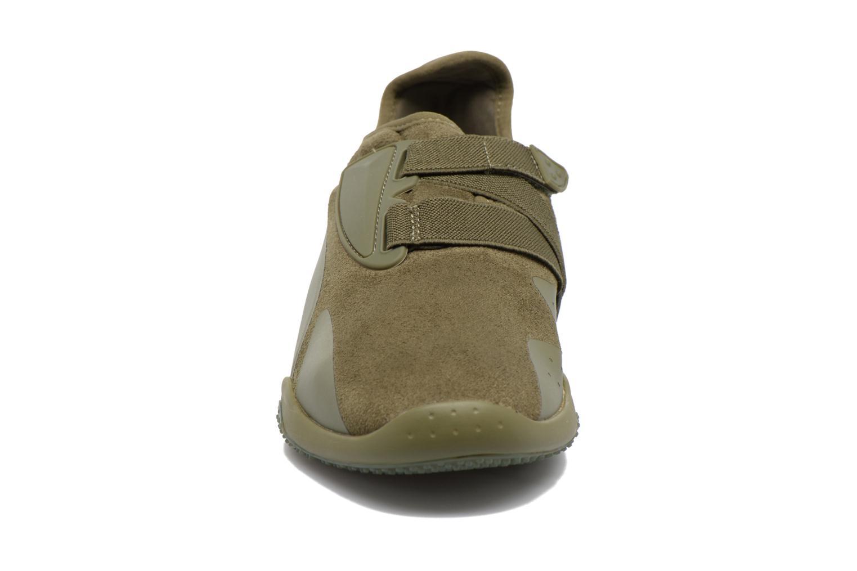 Baskets Puma Mostro Hypernature Vert vue portées chaussures