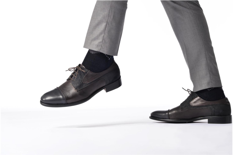 Chaussures à lacets Marvin&Co Daverton Marron vue bas / vue portée sac