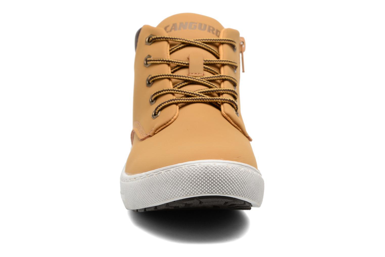 Baskets Canguro C57404 Marron vue portées chaussures
