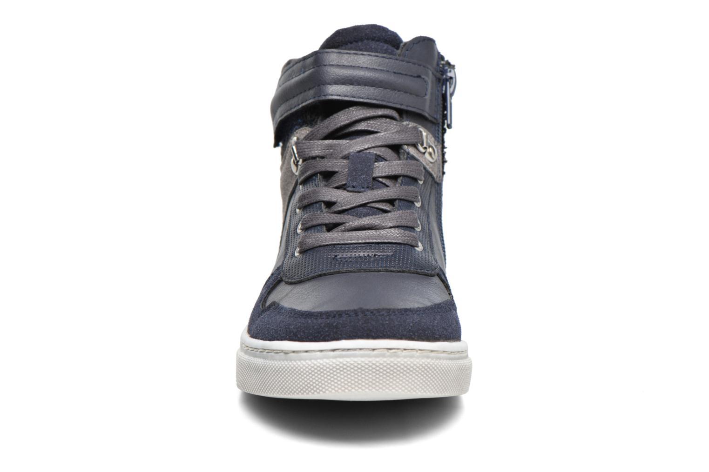 Baskets Bullboxer Gaspard Bleu vue portées chaussures