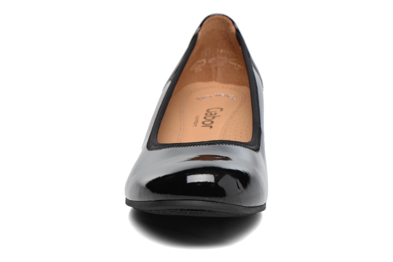 Ballerines Gabor Emily Noir vue portées chaussures