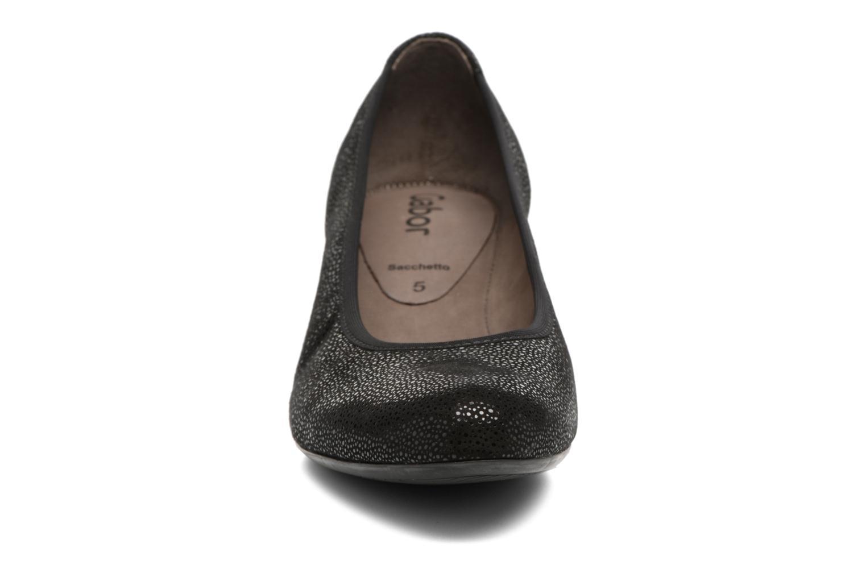 Escarpins Gabor Mila Noir vue portées chaussures