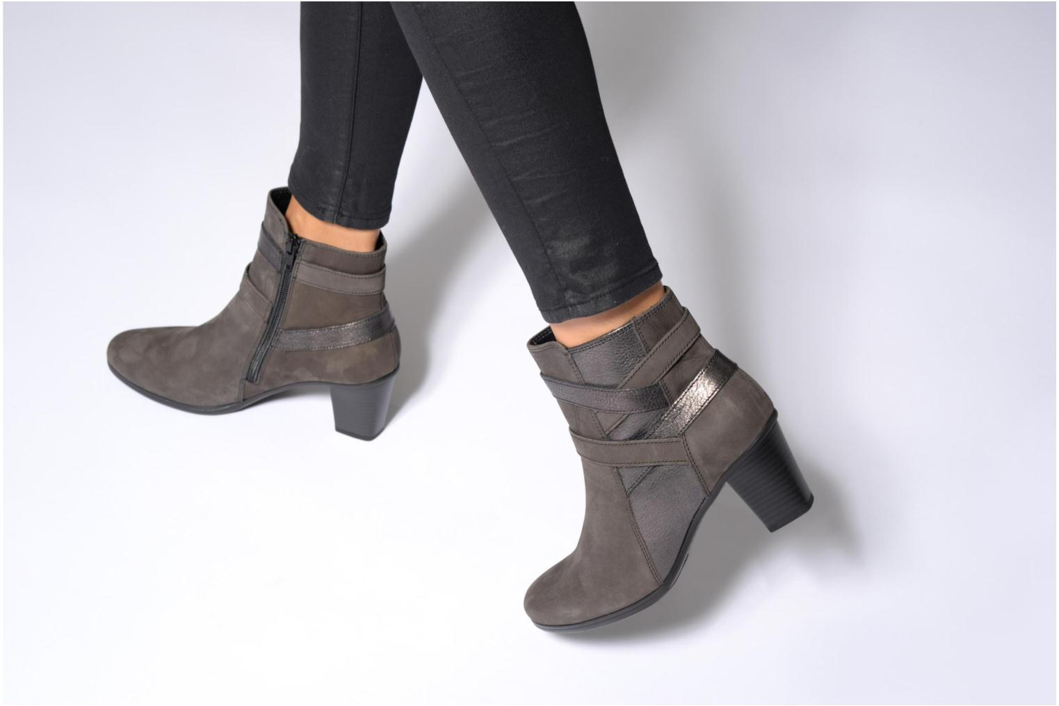 Ankle boots Gabor Finja Grey view from underneath / model view