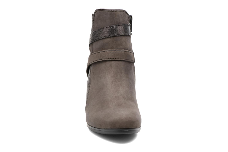 Bottines et boots Gabor Finja Gris vue portées chaussures
