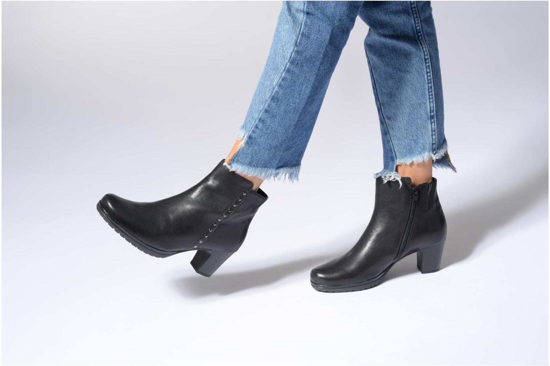 Stiefeletten & Boots Gabor Antonia braun ansicht von unten / tasche getragen