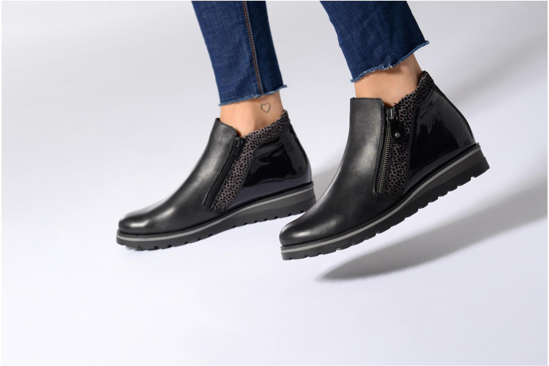 Bottines et boots Remonte Pauly R1989 Noir vue bas / vue portée sac