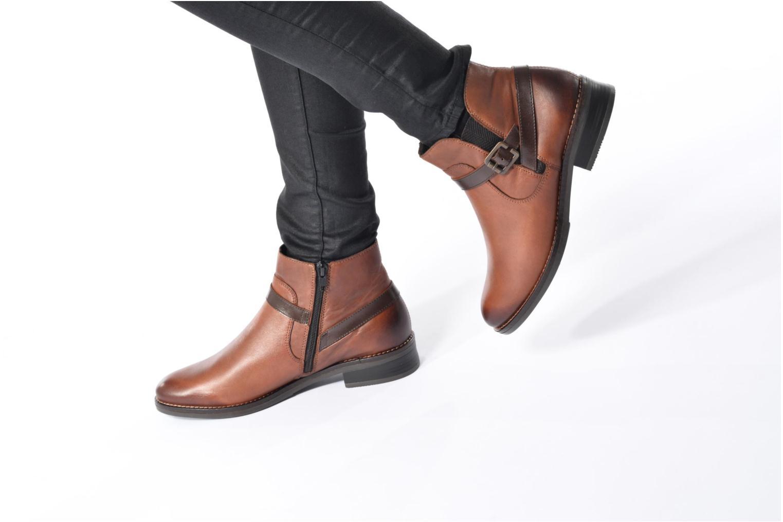 Bottines et boots Remonte Clélia D8573 Marron vue bas / vue portée sac
