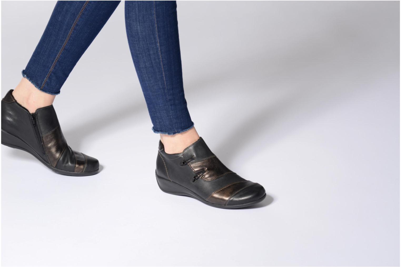 Bottines et boots Remonte Domi R9885 Noir vue bas / vue portée sac