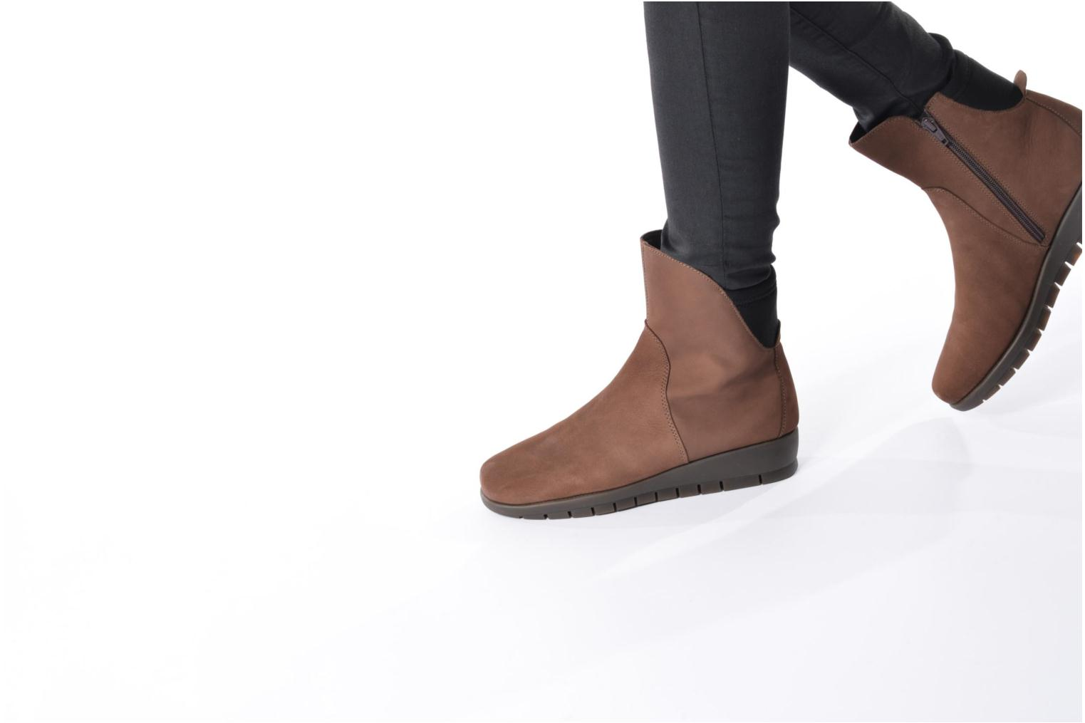 Ankle boots Aerosoles New Moves Brown view from underneath / model view