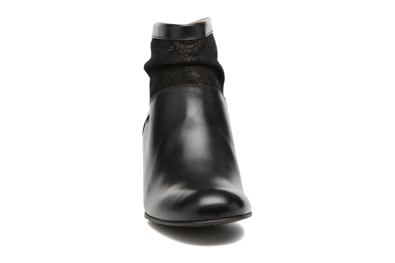 Stivaletti e tronchetti Kickers SEETY Nero modello indossato