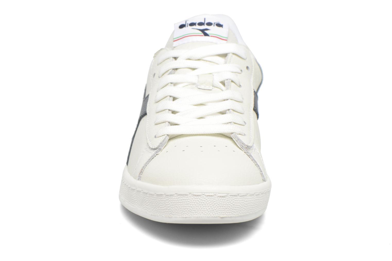 Sneakers Diadora GAME L LOW Bianco modello indossato