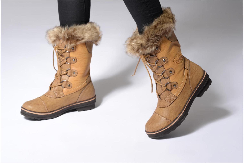 Chaussures de sport Kimberfeel Aponi Blanc vue bas / vue portée sac