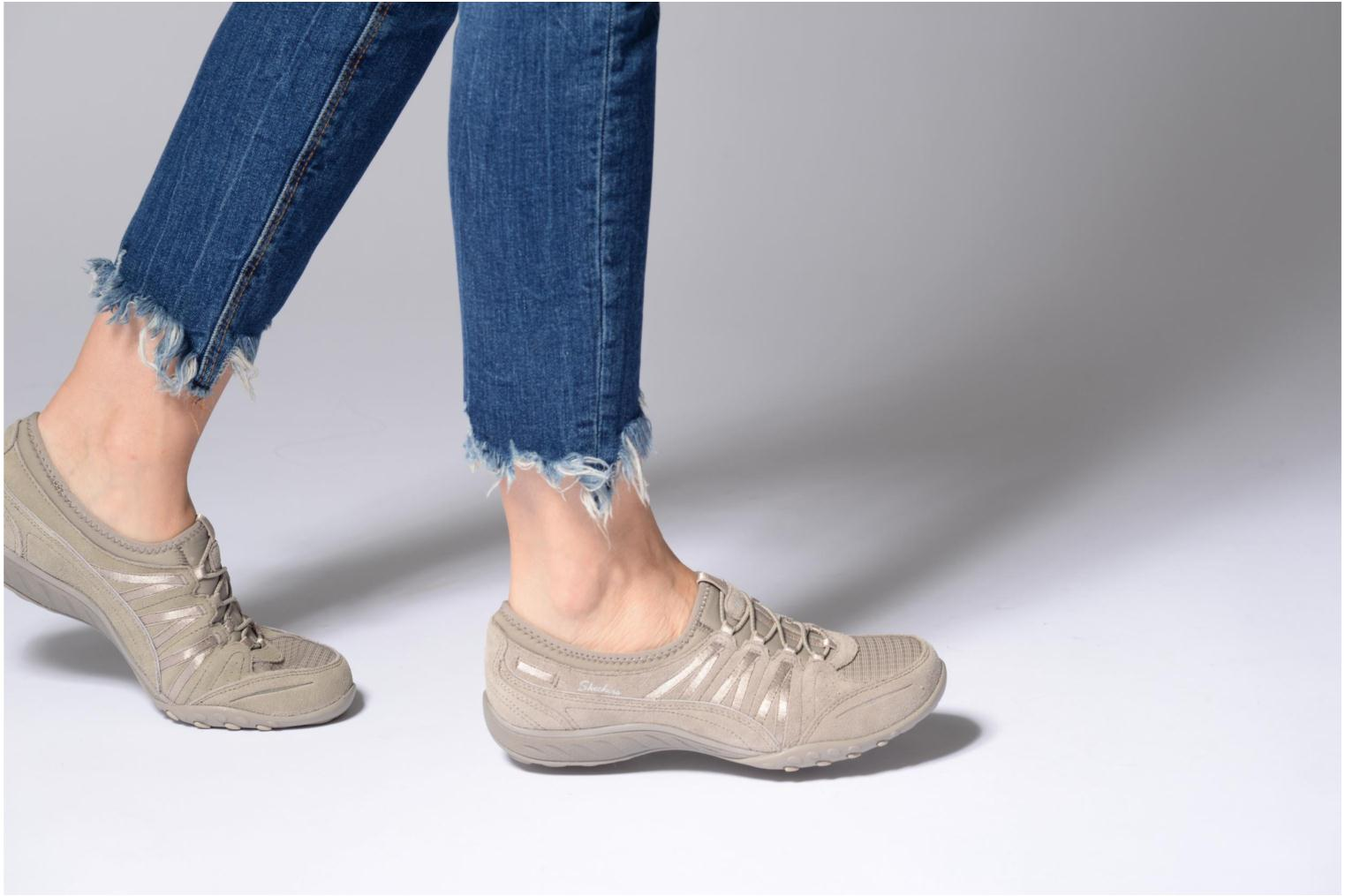 Trainers Skechers Breathe-Easy - Moneybags Grey view from underneath / model view