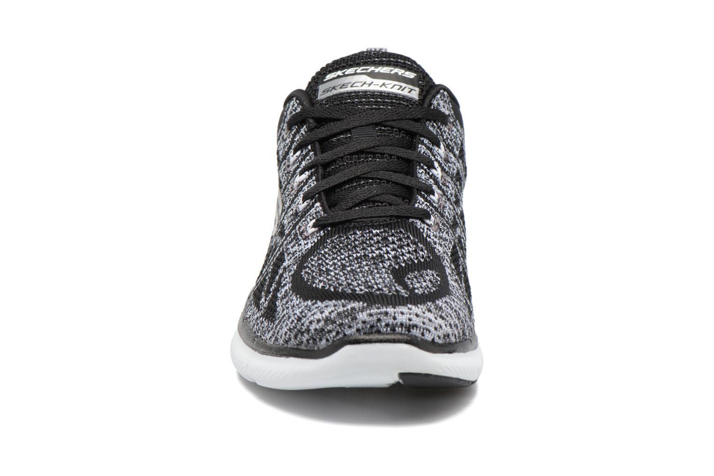 Chaussures de sport Skechers Flex Appeal 2.0 New Gem Noir vue portées chaussures