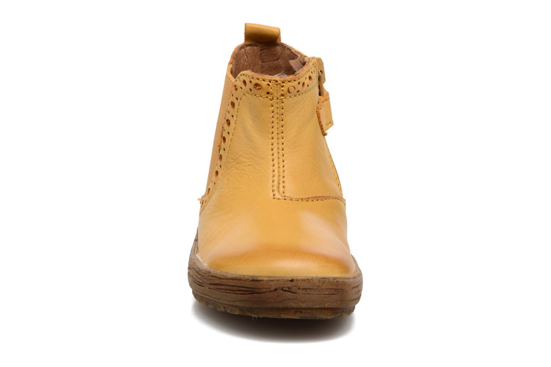 Bottines et boots Naturino Storm Jaune vue portées chaussures