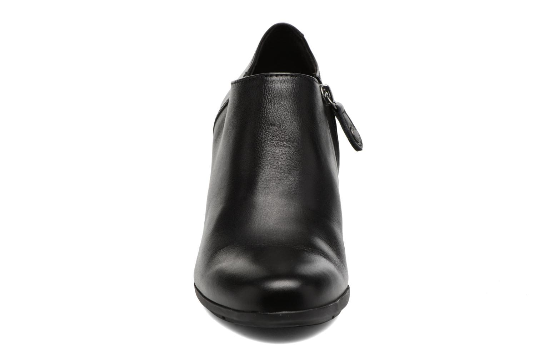 Bottines et boots Geox D Annya A D745FA Noir vue portées chaussures
