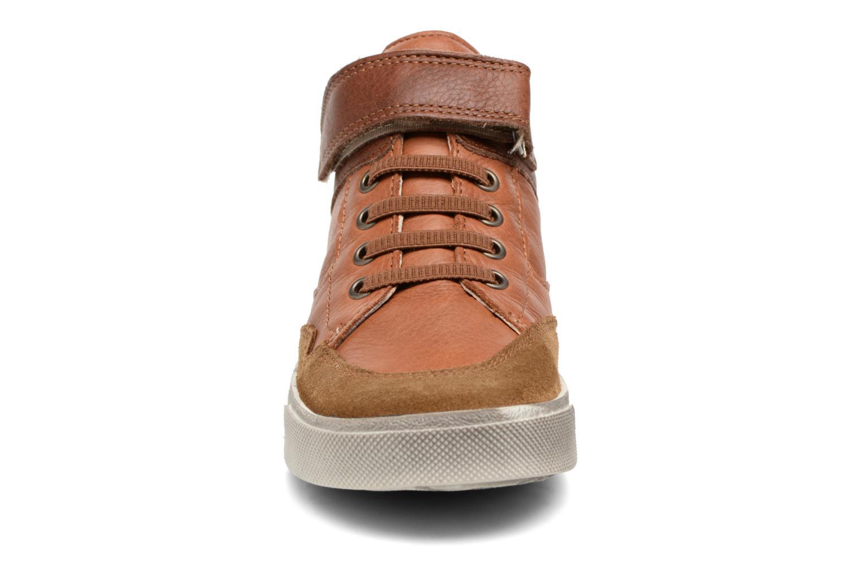 Baskets Babybotte Karamel Marron vue portées chaussures