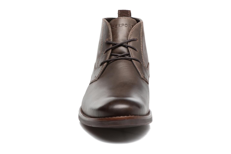 Bottines et boots Rockport Wynstin Chukka Marron vue portées chaussures