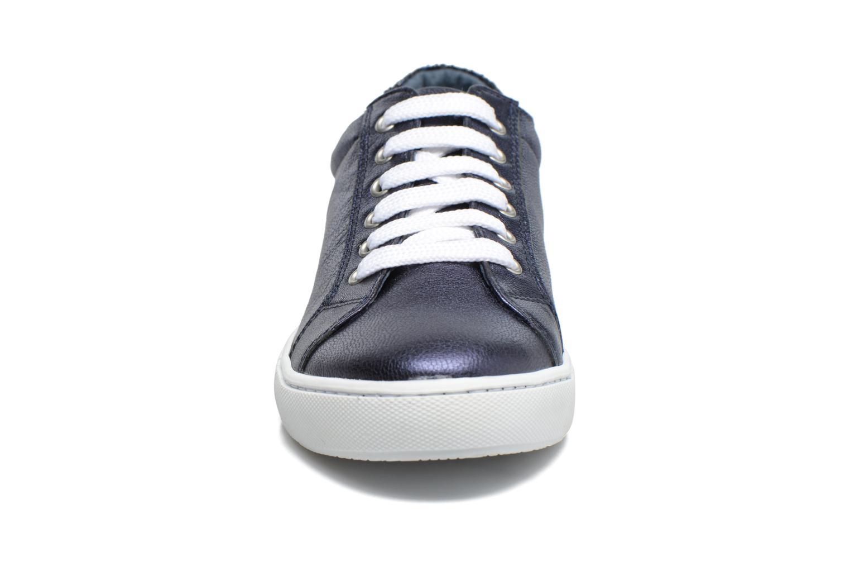 Sneaker Georgia Rose Saloon blau schuhe getragen