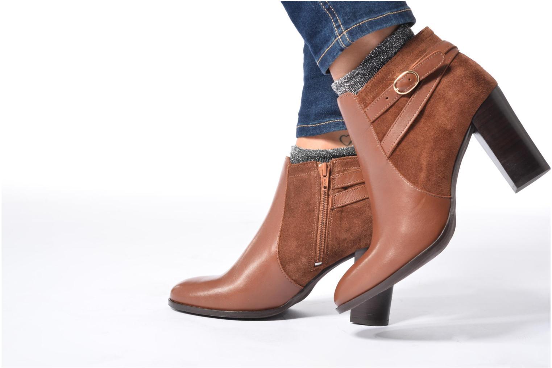 Bottines et boots Georgia Rose Cefema Bordeaux vue bas / vue portée sac