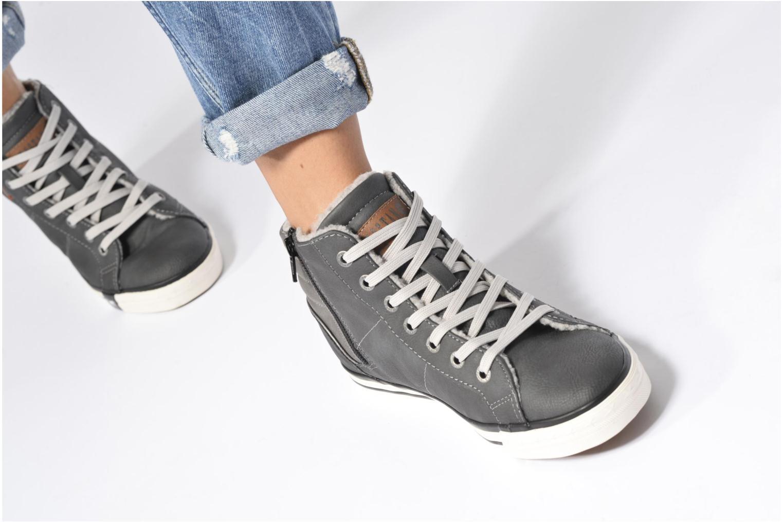 Baskets Mustang shoes Elia Gris vue bas / vue portée sac