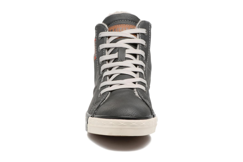 Baskets Mustang shoes Elia Gris vue portées chaussures