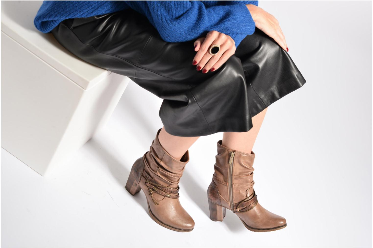 Ankle boots Mustang shoes Louison 2 Brown view from underneath / model view