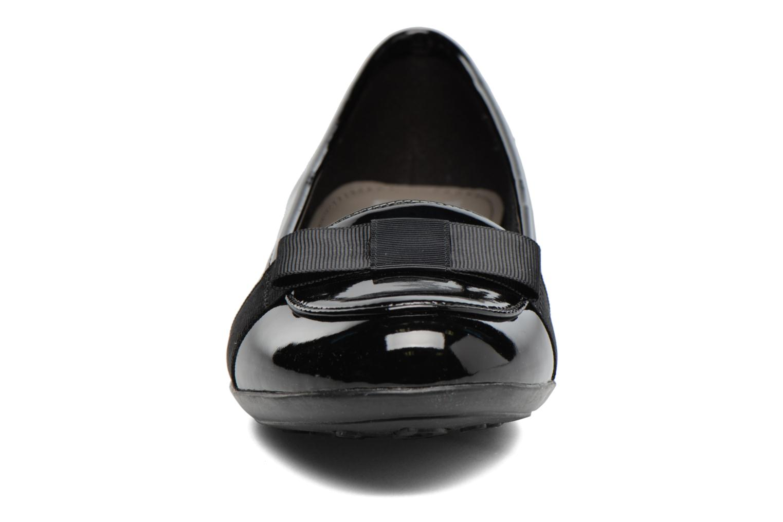 Ballerines Geox J Plie' D J6455D Noir vue portées chaussures
