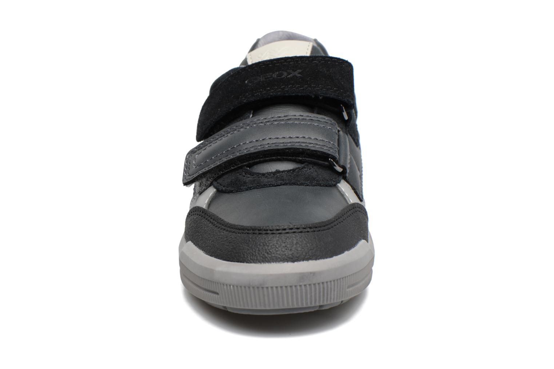 Baskets Geox J Arzach B. A  J744AA Gris vue portées chaussures