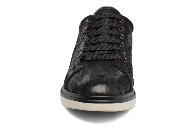 Baskets Geox J Thymar G. A  J744FA Argent vue portées chaussures
