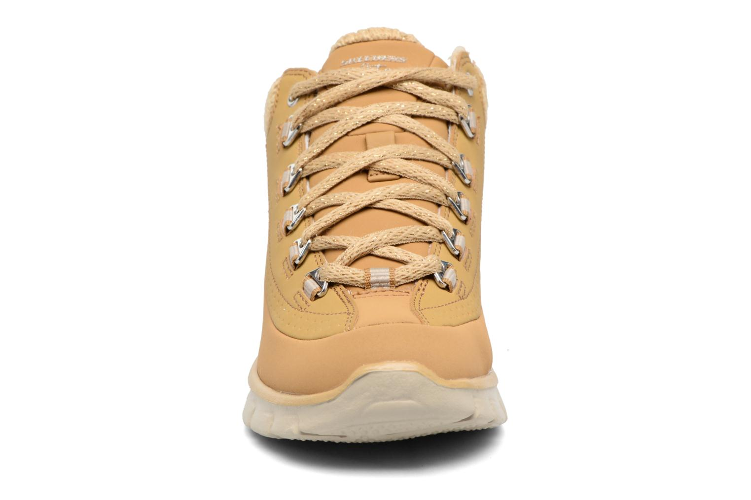 Bottines et boots Skechers Synergy Strong Will Beige vue portées chaussures