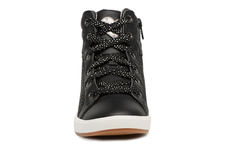 Baskets Skechers Shoutouts Noir vue portées chaussures