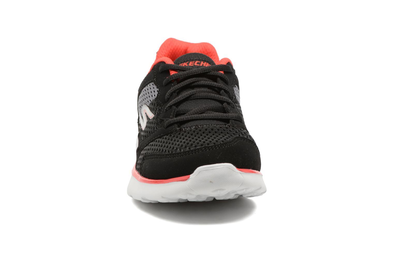 Chaussures de sport Skechers Go Run 400 Zodox Noir vue portées chaussures