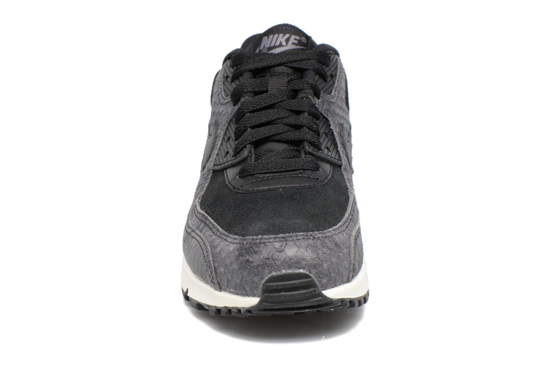 Baskets Nike Wmns Air Max 90 Prm Gris vue portées chaussures