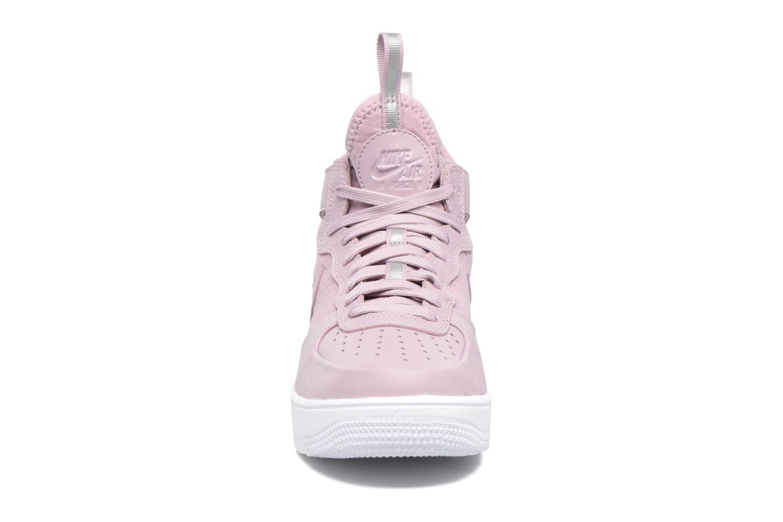 Baskets Nike W Air Force 1 Ultraforce Mid Violet vue portées chaussures