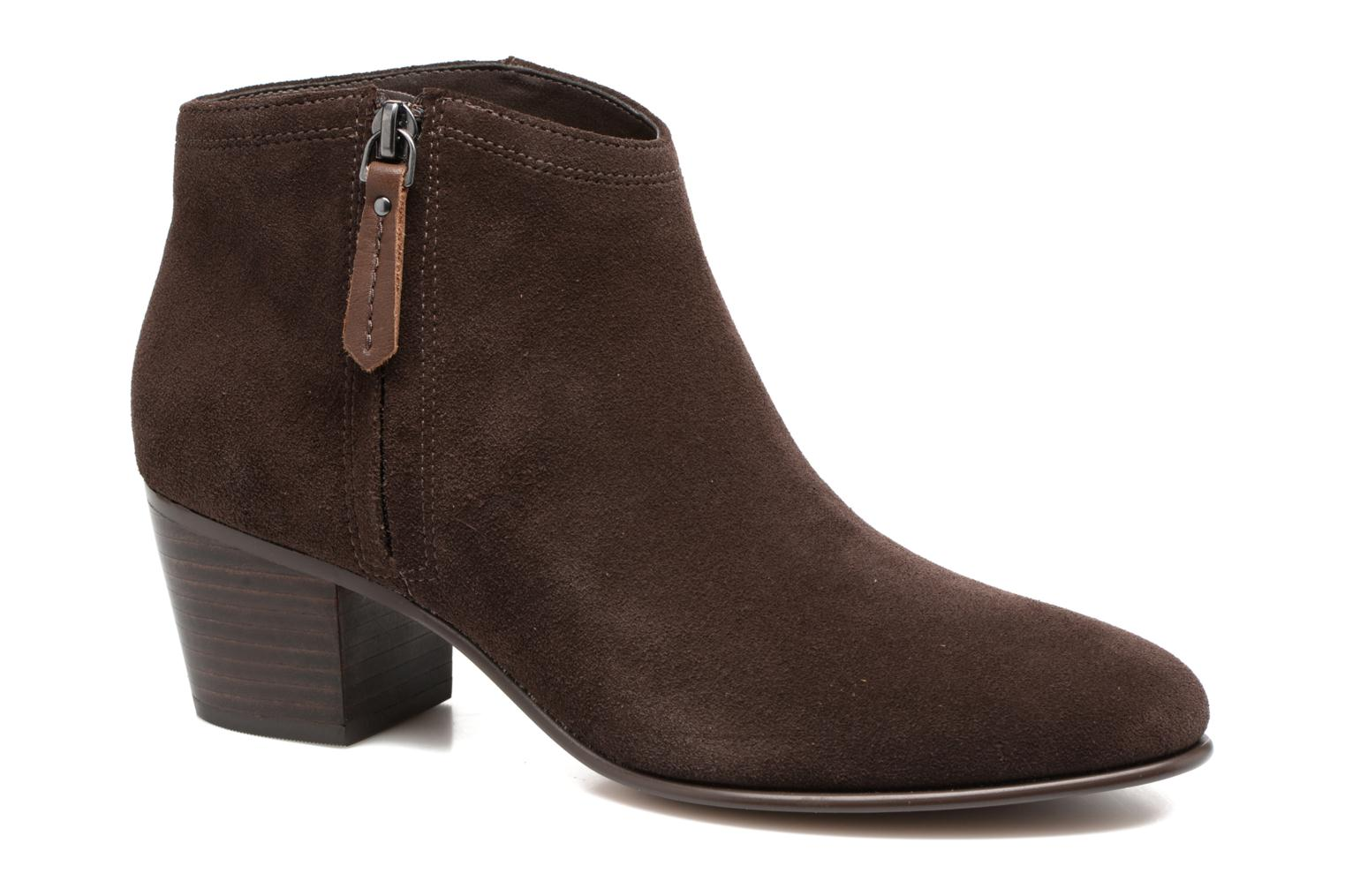 Ankle boots Clarks Maypearl Alice Brown detailed view/ Pair view
