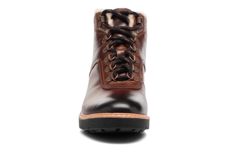 Bottines et boots Clarks Witcombe Rock Marron vue portées chaussures