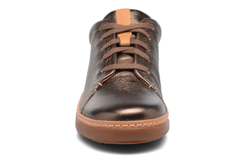 Baskets Clarks Amberlee Crest Marron vue portées chaussures