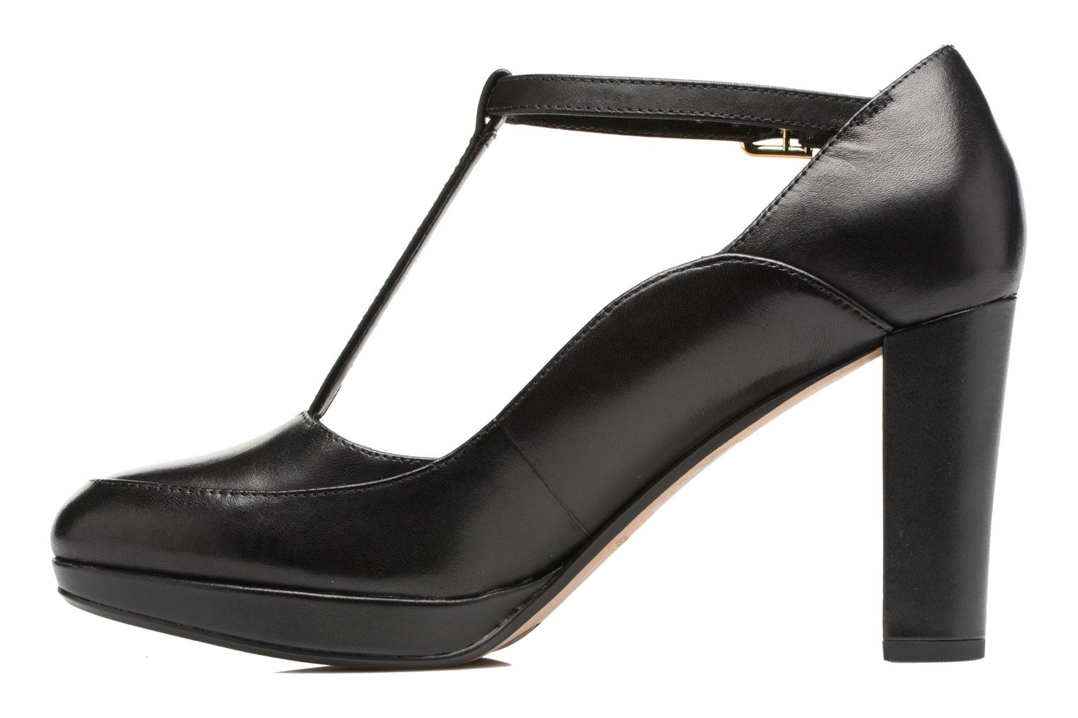 Kendra Daisy Black leather