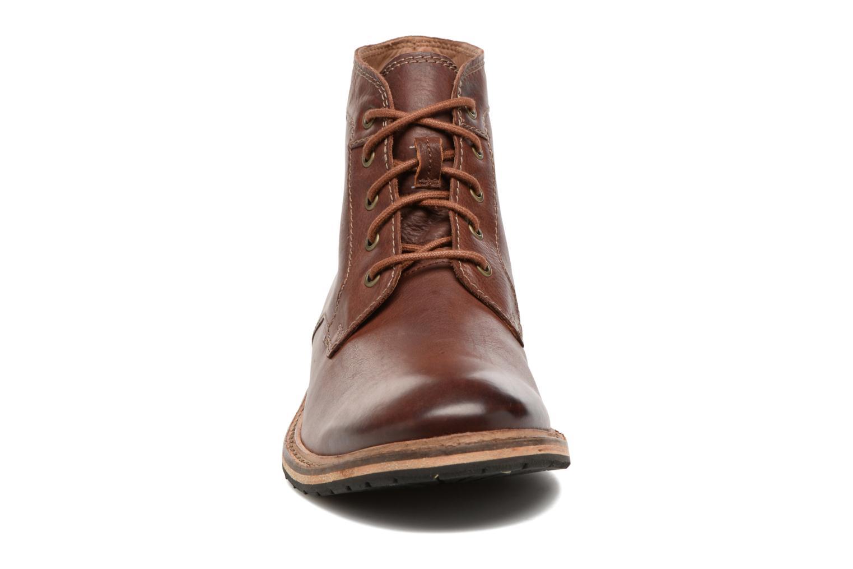 Bottines et boots Clarks Clarkdale Bud Marron vue portées chaussures