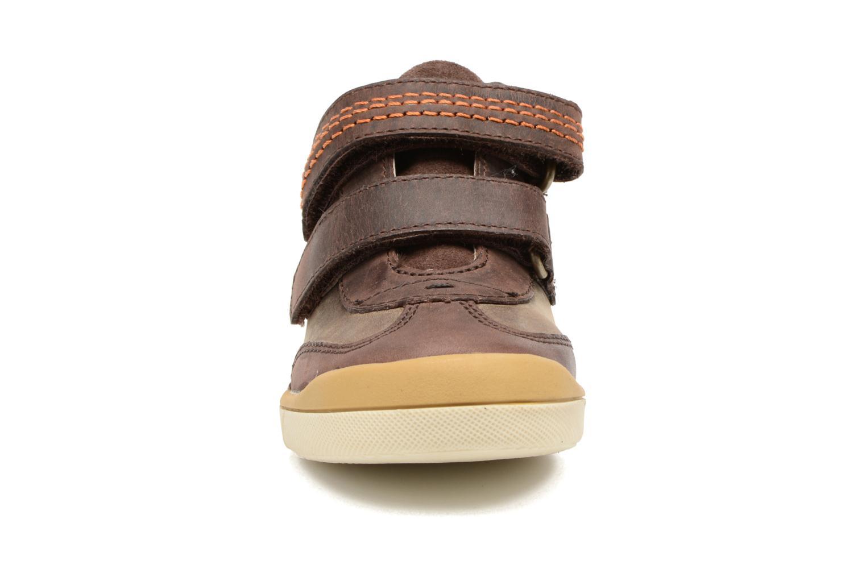 Baskets Kickers Goldorage Marron vue portées chaussures