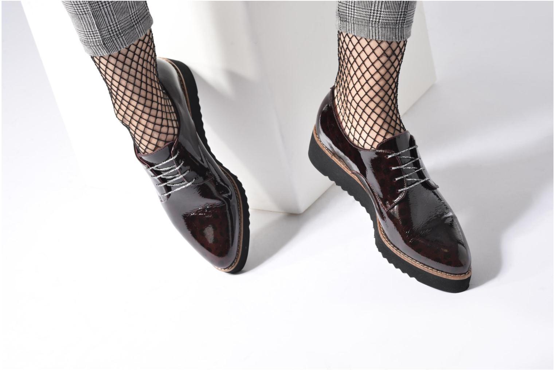 Chaussures à lacets HE Spring Lana Noir vue bas / vue portée sac