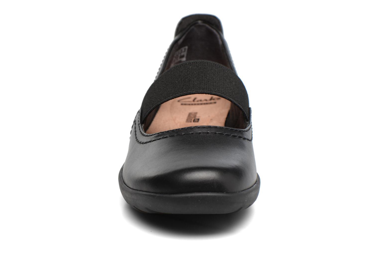 Ballerines Clarks Medora Ally Noir vue portées chaussures