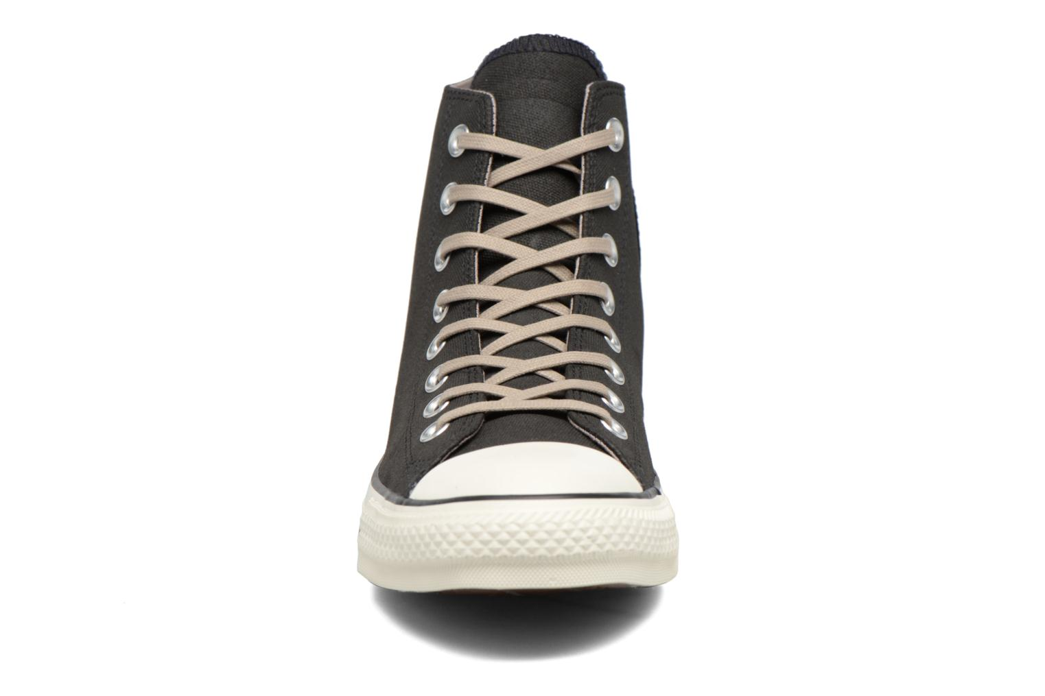 Baskets Converse Chuck Taylor All Star Coated Leather Hi Noir vue portées chaussures